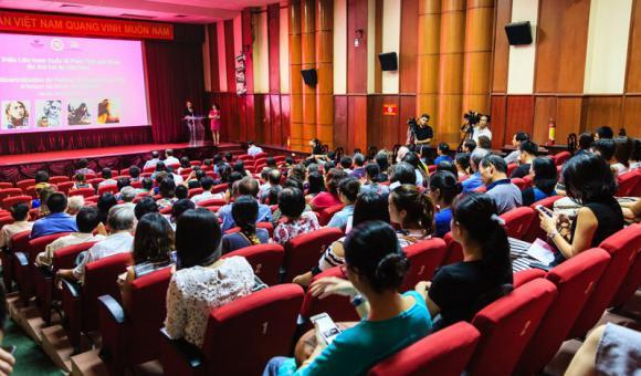 Opening of the festival in Hanoi (c) DGWBHanoi