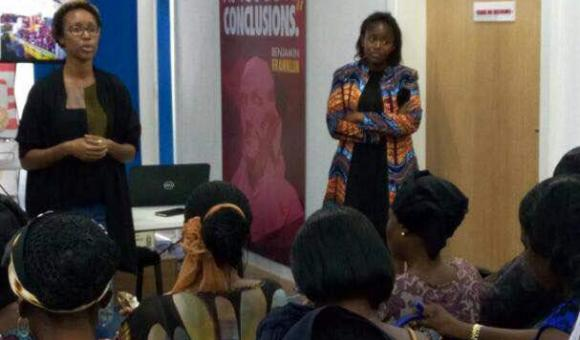 Coaching for women in the market in Ivory Coast