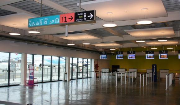 Ce nouveau terminal compte huit comptoirs d'enregistrement.
