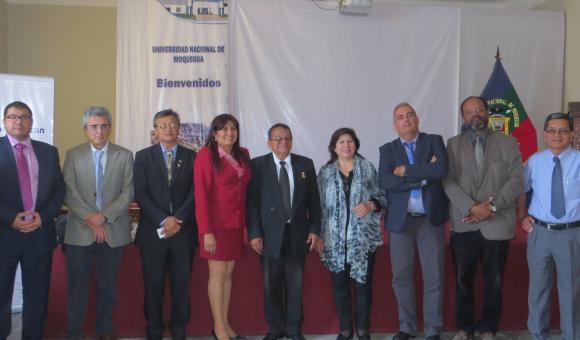 Vice Président de la Région, Vice Recteur de l'Université et professeurs principaux, spécialistes de l'Université Las Palmas de Gran Canaria,