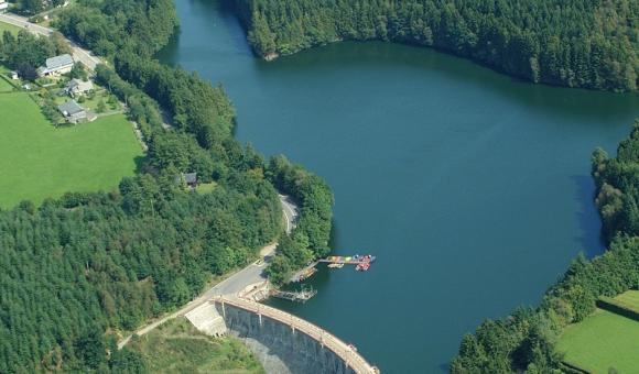 The l'Eau d'Heure Lake
