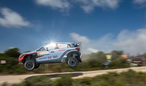 Nicolas Gilsoul jump rallye sardaigne