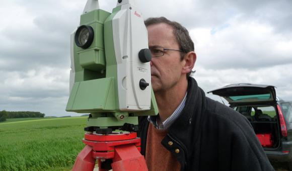 Designer for the Leica TM30