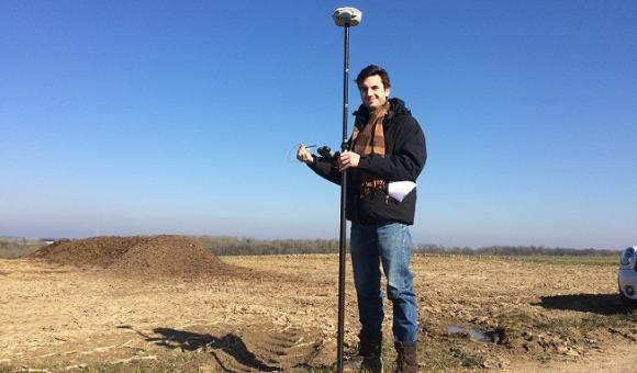 The GNSS of high precision is used by the professionals of the measure and the topography. From now on it is available for all!