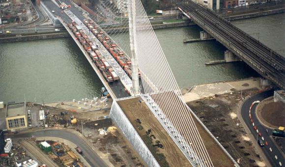 Essais de Charge sur le pont du Val Benoit, Liège 26/11/1999