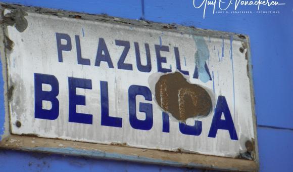 Ancienne plaque abimée de la Plazuela Bélgica ou Petite place de Belgique